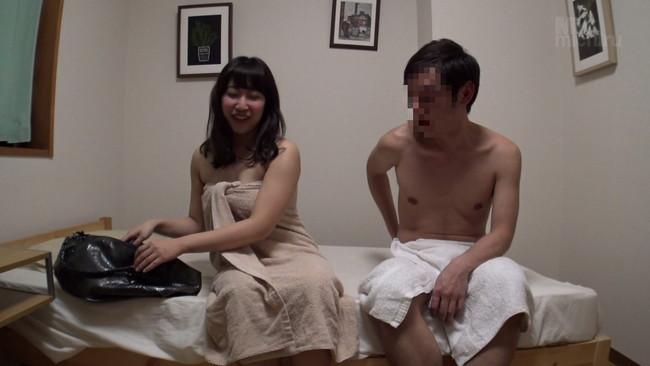【おっぱい】イチャイチャしながらセックスをしようと口説く男たちにまんまと嵌るデリヘル嬢たちのおっぱい画像がエロすぎる!【30枚】 06