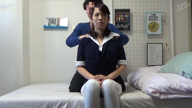 【おっぱい】大人気のおばさんレンタルで性の悩みを中出しセックスで解決してくれる熟女さんのおっぱい画像がエロすぎる!【30枚】 17